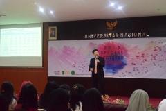 Professor Division of Economics Hanyang University Joonkyung HA saat memaparkan materinya