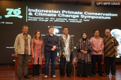Foto-bersama-acara-Indonesia-Primate-Consevation-and-Climate-Change