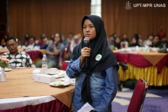 Sesi-tanya-jawab-dalam-acara-Indonesia-Primate-Consevation-and-Climate-Change