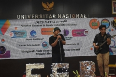 Penampilan hiburan oleh mahasiswa FEB