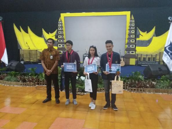 Mahasiswa Akparnas bernama Sendi berhasil menyabet juara 1 dalam kompetisi masak