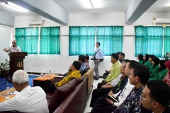 Rektor Universitas Nasional Dr. Drs. El Amry Bermawi Putera M.A memberikan sambutan dihadapan jajaran Direksi BRI, Dekan, Dosen, dan mahasiswa