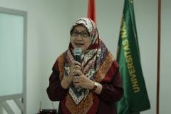DekanFakultas Ilmu Kesehatan Dr. Retno Widowati, M.Si.