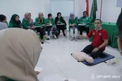 Situasi saat praktek memberikan bantuan dsar kepada pasien