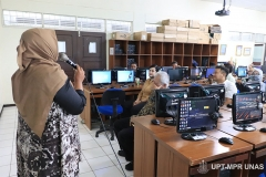 Suasana saat kegiatan Training of Trainer pengembangan materi E-Learning di Lab. Jarkom Blok 4 lantai 4