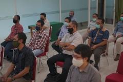 Para peserta yang hadir dalam kegiatan Uji Kompetensi Ahli Perawatan Bangunan Gedung pada Sabtu 12 Desember 2020 di Ruang Seminar Selasar Lantai 3 Universitas Nasional