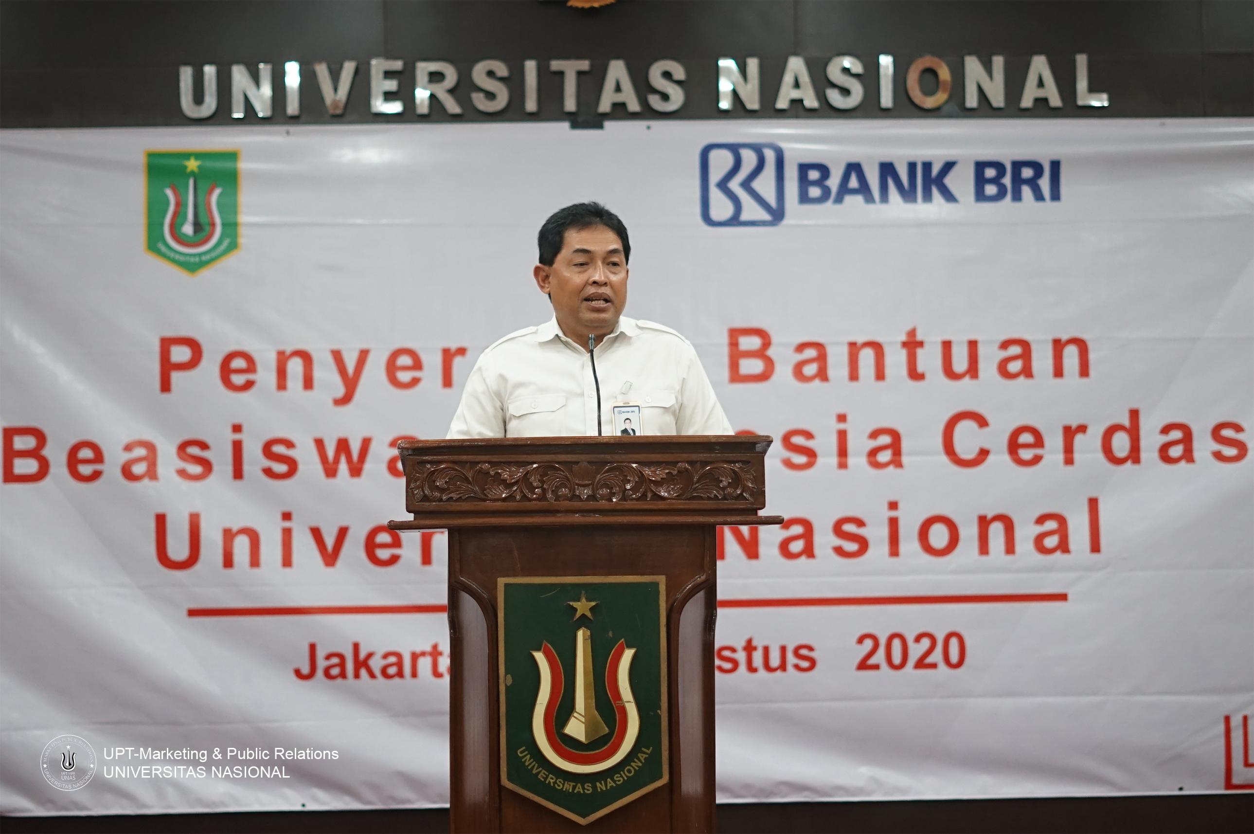 (Pemimpin BRI Kanwil Jakarta) Hendro Padmono sedang memberikan sambutan