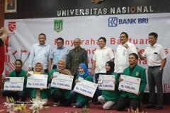 Foto bersama Pimpinan UNAS, BRI beserta mahasiswa UNAS