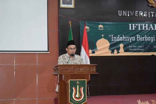 Ceramah Agama dari Ketua Dewan Kepengurusan Masjid Sutan Takdir Alisjahbana UNAS, Aos Yuli Firdaus, S.IP., M.Si.