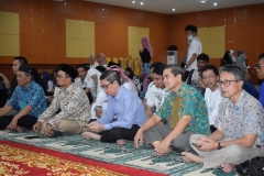 para dosen dan staff yang hadir dalam acara buka puasa bersama