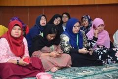 Para karyawan Universitas Nasional (2)