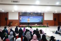 Saat acara berlangsung dengan sambutan oleh DekanFakultas Bahasa dan Sastra Drs Somadi, M.Pd
