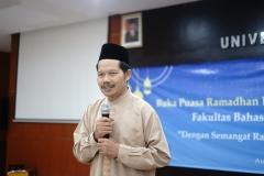 DekanFakultas Bahasa dan Sastra Drs Somadi, M.Pd