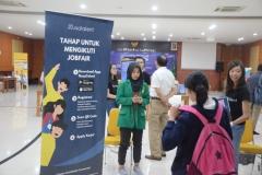 Registrasi untuk pengunjung Job Fair UNAS