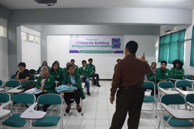 Para Instruktur memperkenalkan tentang unas ke para peserta 2