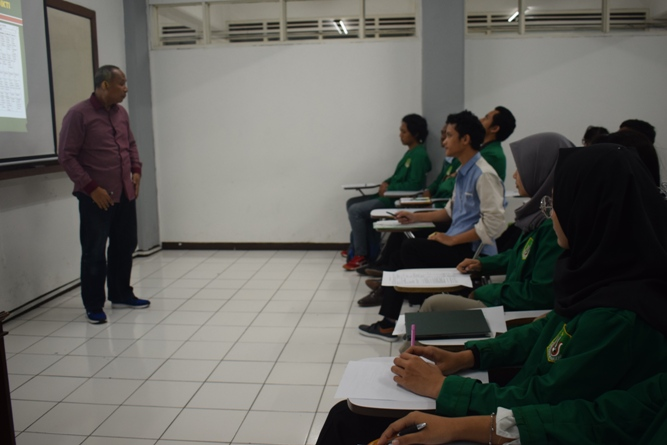 Para Instruktur memperkenalkan tentang unas ke para peserta 4