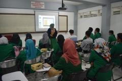 Para Instruktur memperkenalkan tentang unas ke para peserta 7