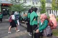 Para peserta character building ditaman Universitas Nasional 2
