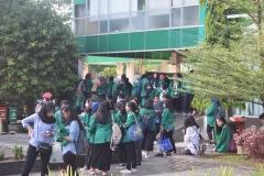 Para peserta character building ditaman Universitas Nasional 3