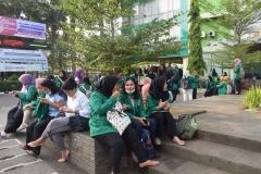 Para peserta character building ditaman Universitas Nasional