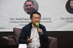 Drs. Ian Zulfikar M.Si. selaku Pembicara dalam kegiatan Coaching Clinic PKKM yang diselenggarakan UPT Inkubator Wirausaha Mandiri UNAS pada Jumat, 05 Maret 2021