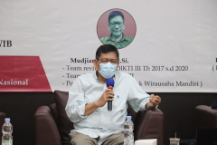 Mudjiarto S.E. M.Si. selaku Pembicara dalam kegiatan Coaching Clinic PKM yang diselenggarakan UPT Inkubator Wirausaha Mandiri UNAS pada Jumat, 05 Maret 2021