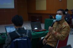 Penyampaian materi oleh narasumber dari Tim SPADA Dikti, Anggoro Suryo Pramudyo