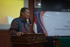 Sambutan oleh Wakil Rektor Bidang Akademik, Kemahasiswaan dan Alumni Dr. Suryono Efendi, S.E., M.B.A., M.M. dalam pembukaan kegiatan coaching clinic.