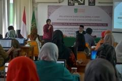 Wakil Rektor Bidang Penelitian dan Pengabdian kepada masyarakat Prof. Ernawati Sinaga saat memberikan sambutan (1)
