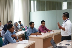 Instruktur memberikan materi kepada peserta CSWIP 3.0 di gedung menara II Unas, Ragunan, Selasa 29 Oktober 2019