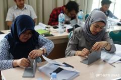 Peserta saat mempraktikkan pengukuran pada pelatihan CSWIP 3.0 di gedung menara II Unas, Ragunan, Selasa 29 Oktober 2019