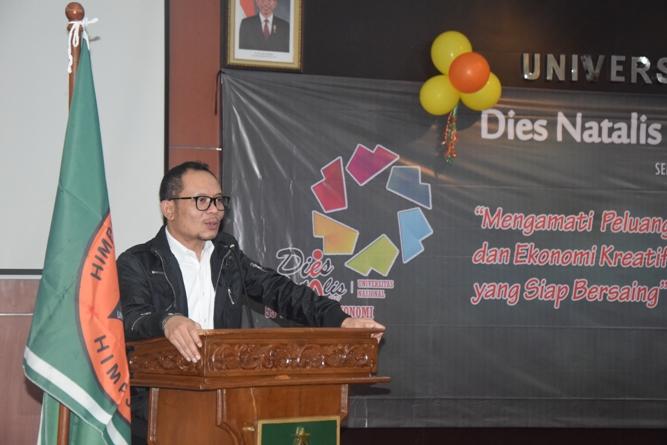Menteri Ketenagakerjaan Muhammad Hanif Dhakhiri S.Ag., M.Si. dalam sambutannya dalam acara Dies Natalis FE