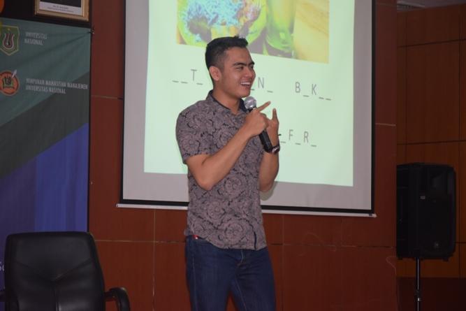 Muhammad Firdan selaku founder Ropisbak Ghifari dalam paparan materinya
