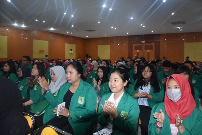 Para peserta dalam acara Dies Natalis Fakultas ekonomi