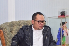 Menteri Ketenagakerjaan Muhammad Hanif Dhakiri S.Ag., M.Si. dalam ruang Rektorat