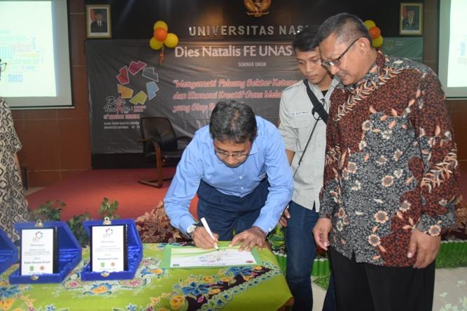 penandatanganan yang dilakukan oleh Subandi S.Pd., M.M selaku Kementerian Ketenagakerjaan Kasubdit Pengembangan Penyelenggaraan dan evaluasi pelatihan kerja
