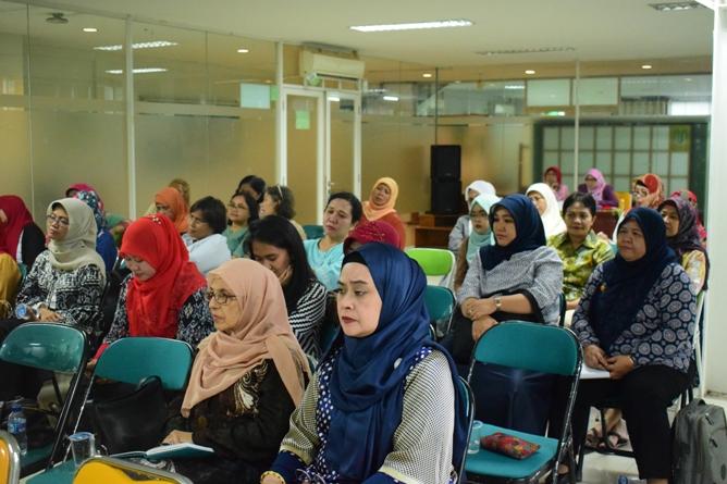 Suasana Seminar Diet Ketofatosis yang Tenang Mendengarkan Testimoni dan Nur Agus P.