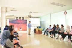 materi kedua oleh Seno yang juga alumni UNAS
