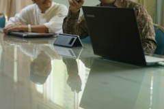 ketua lembaga PLH dan SDA MUI, Dr. Hayu Prabowo sedang menjelaskan materinya, di Ruang 108 Blok 1 UNAS, Jumat (03-5) (2)