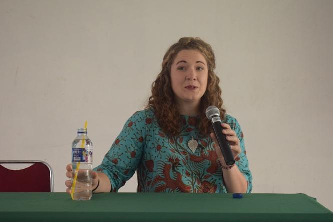 sambutan Kristen S. Morrow selaku pemateri dalam seminar