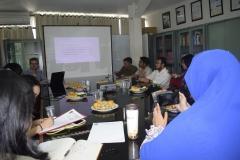 Suasana saat diskusi  berlangsung yang membahas meme politik dan demokrasi di Indonesia di Universitas Nasional (15/3)