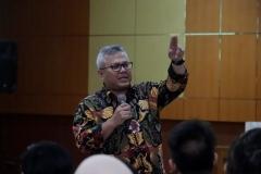 Ketua KPU RI Arief Budiman saat memberikan materi di depan mahasiswa (2)