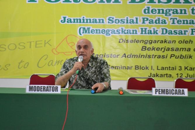 Bpk. Muhammad Noer selaku moderator acara