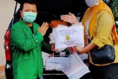 Mahasiswa Fikes Unas memberika donasi Alat Pelindung Diri (APD) untuk tenaga kesehatan  di wilayah Pandeglang