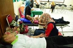 Saat donor darah berlangsung oleh PMI