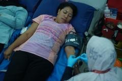 Dosen Unas saat mengikuti kegiatan donor darah