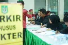para peserta donor darah saat registrasi