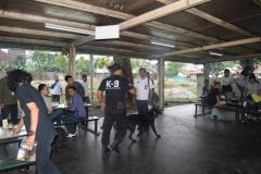 BNN Bersama Anjingnya Mencari di Kantin