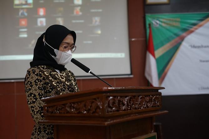 Pembukaan acara oleh master of ceremony dalam kegiatan E-Talk dan Pelantikan Pengurus UEC masa bakti 2021-2021