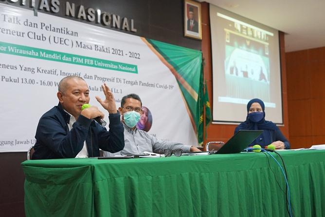 Penyampaian materi oleh Pembicara, Drs. Ian Zulfikar, M.Si. selaku pengusaha dalam kegiatan